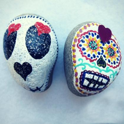 Skull Pebbles
